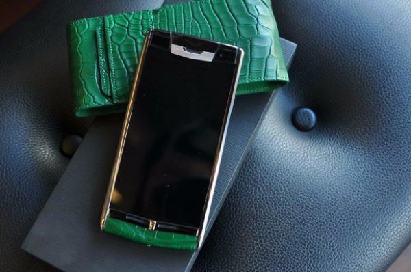 Điện thoại Vertu Signature Touch Green Alligator cảm ứng
