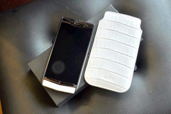 Điện thoại Vertu Signature Touch Pure White Alligator cảm ứng new 100%