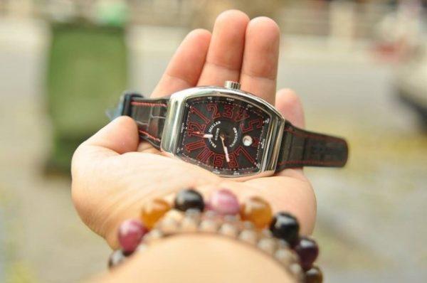 Đồng hồ Franck Muller Vanguard V41 nam mặt đen số đỏ