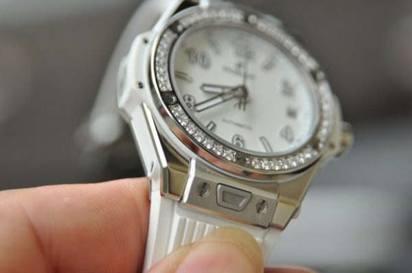 Đồng hồ Hublot Big Bang 465.SE.2010.RW.1204 mặt size 39 mm
