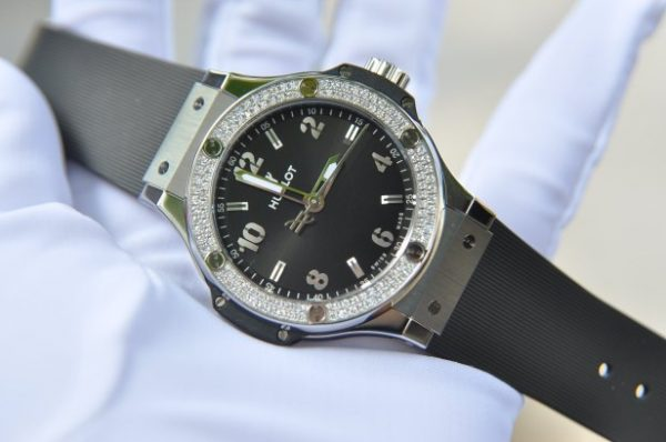 Đồng hồ Hublot Big Bang Steel Diamond mặt đen size 38mm