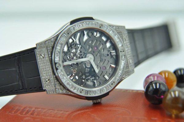 Đồng hồ Hublot Classic Fusion Ultra Thin Skeleton Custom Baguette Diamond
