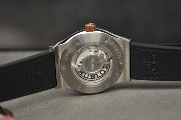 Đồng hồ Hublot Classic Fusion Titanium mặt vàng 18k mới 100%