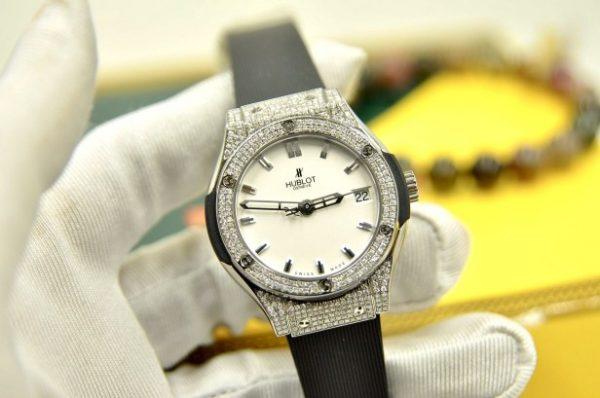 Đồng hồ Hublot nữ Classic Fusion Titanium size 33mm đính kim cương