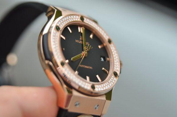 Đồng hồ Hublot nữ Classic Fusion black size 38mm vàng 18k đính kim cương