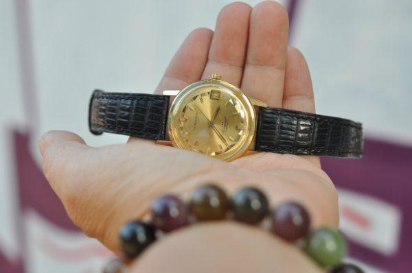 Đồng hồ Longines Conquest Men's 18K Gold Conquest 9021 Automatic Dress Watch c.1960s Swiss LV594 chính hãng cao cấp. Thương hiệu đồng hồ Longines luôn mang đến những giá trị đẳng cấp nhất cho khách hàng.
