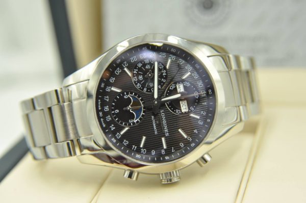 Đồng hồ Longines Conquest Classic Moonphase Chronograph L2.798.4.52.6