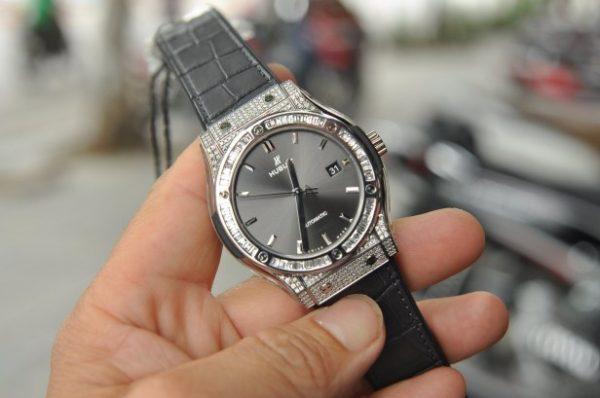 Đồng hồ nam Hublot Classic Fusion Custom Baguette size 42mm đính kim cương