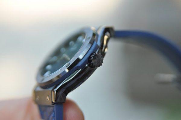 Đồng hồ nữ Hublot Classic Fusion Titanium 33mm mặt xanh Blue