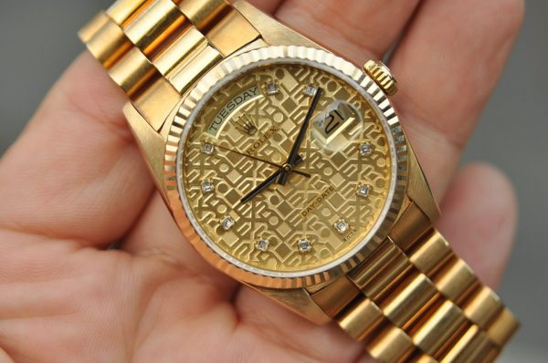 Đồng hồ Rolex 18238 Day Date mặt vi tính đính kim cương vàng đúc 18k