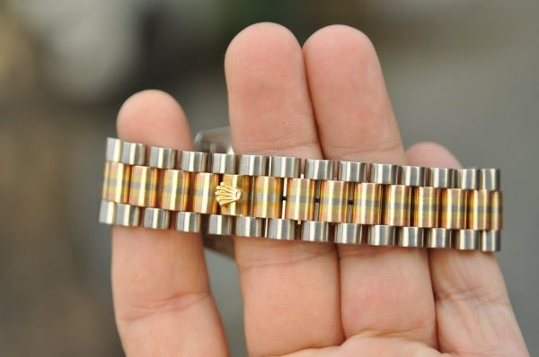 Đồng hồ Rolex 18239B Day Date mặt vi tính đính kim cương vàng 18k